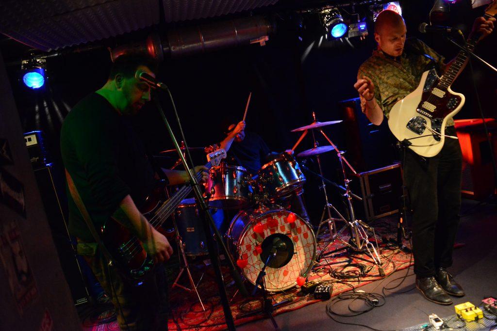 Die Garage Rock Band Moin aus Quakenbrück live bei der Rock in der Region Relegation 2017 im Ostbunker Osnabrück