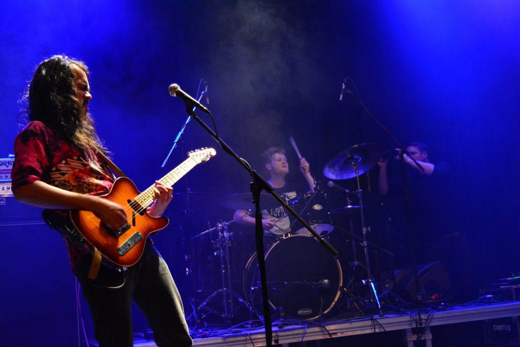 Die Post Metal-Band From Willows live beim Rock in der Region-Finale 2017 im Haus der Jugend Osnabrück